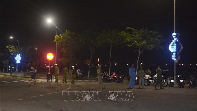 Thăng cấp bậc hàm 2 cán bộ, chiến sỹ Công an quận Sơn Trà, thành phố Đà Nẵng hy sinh