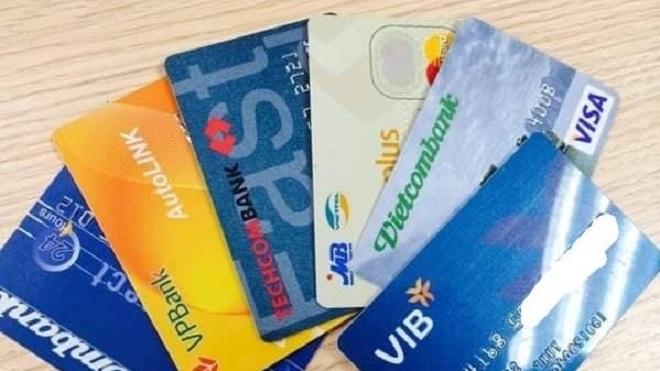Sẽ chuyển đổi toàn bộ thẻ ATM làm bằng thẻ từ sang thẻ chip