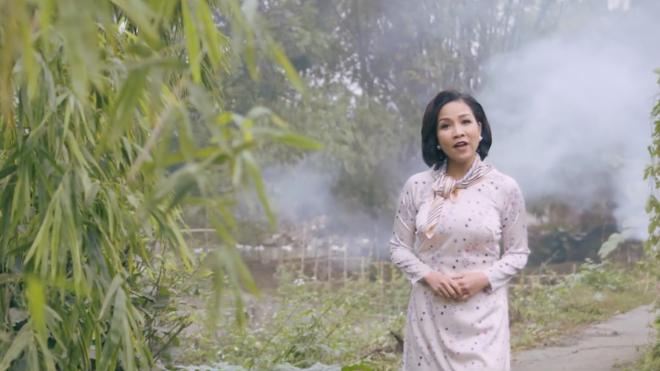 Mỹ Linh đưa hình ảnh Anna vào ca khúc Tết dành cho những người tha hương