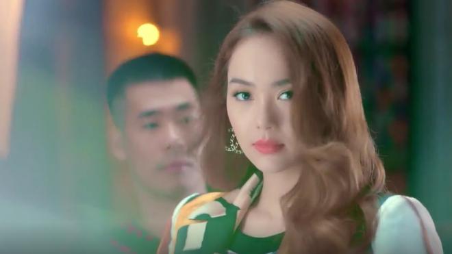 VIDEO: Minh Hằng có thực sự 'ám chỉ' Hồ Ngọc Hà trong MV mới?