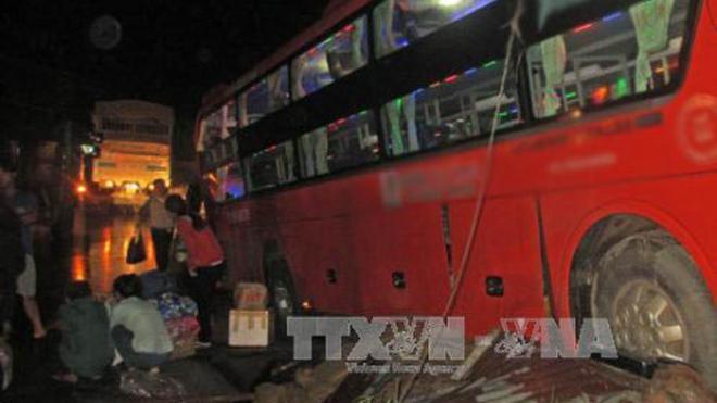 Vụ tai nạn trên cao tốc Hà Nội - Lào Cai: Ít nhất 1 người tử vong, 13 người bị thương