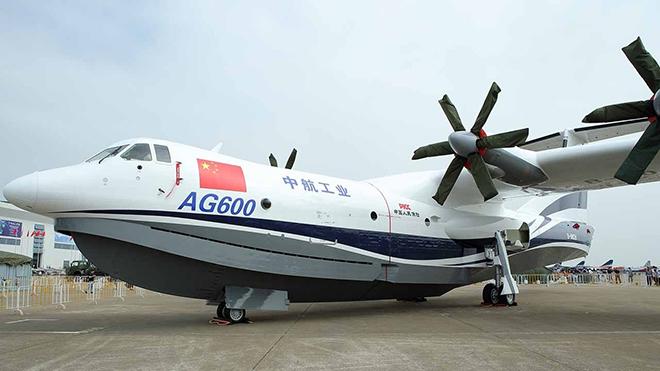 VIDEO: Thủy phi cơ lớn nhất thế giới của Trung Quốc bay chuyến đầu tiên