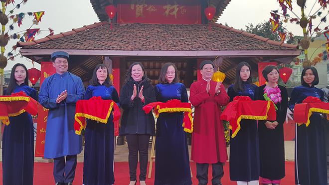 Hà Nội: Hội chữ Xuân Mậu Tuất 2018 bừng sáng không gian hồ Văn