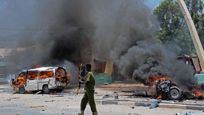 Nổ bom xe, 20 người chết, 70 người bị thương