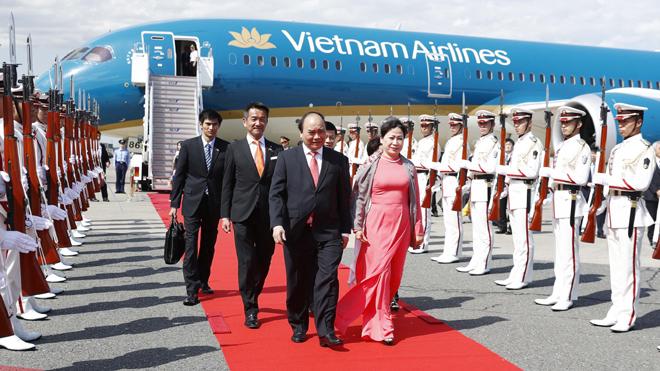Thủ tướng Nguyễn Xuân Phúc tới Tokyo, bắt đầu thăm chính thức Nhật Bản