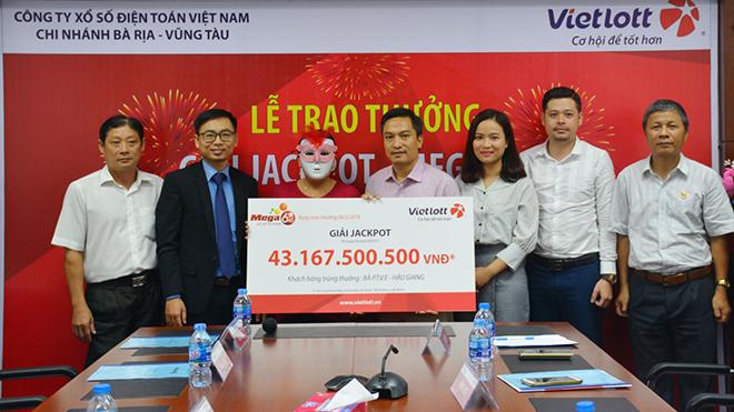 Chủ nhân của giải Vietlott kỷ lục gần 304 tỉ đã liên hệ nhận giải