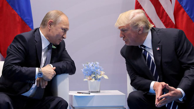 Mỹ toan tính gì khi 'kích nổ quả bom' buộc tội 12 công dân Nga?