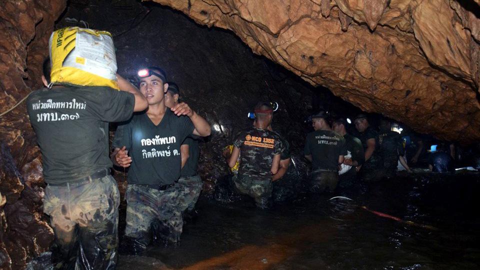Giải cứu đội bóng thiếu niên Thái Lan: Phát hiện một đường hầm mới