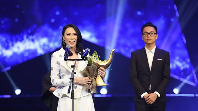 VIDEO: Mỹ Tâm, Dương Cầm và Ngọt nói gì khi giành cú đúp Cống hiến 13-2018?