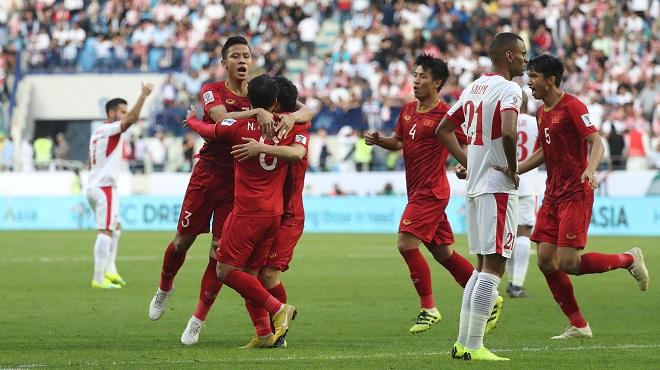 Tuyển Việt Nam vượt qua Jordan vào Tứ kết ASIAN CUP: 'Đại thắng mùa Xuân' của bóng đá Việt