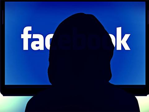 Nhiều thông tin 'riêng tư' của người dùng điện thoại thông minh được tự động chia sẻ cho Facebook