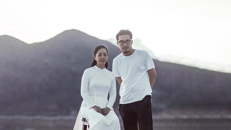 'Hoàng tử indie' Thái Vũ tung MV đầu tay 'Do ai' với nữ chính là NSƯT Chiều Xuân