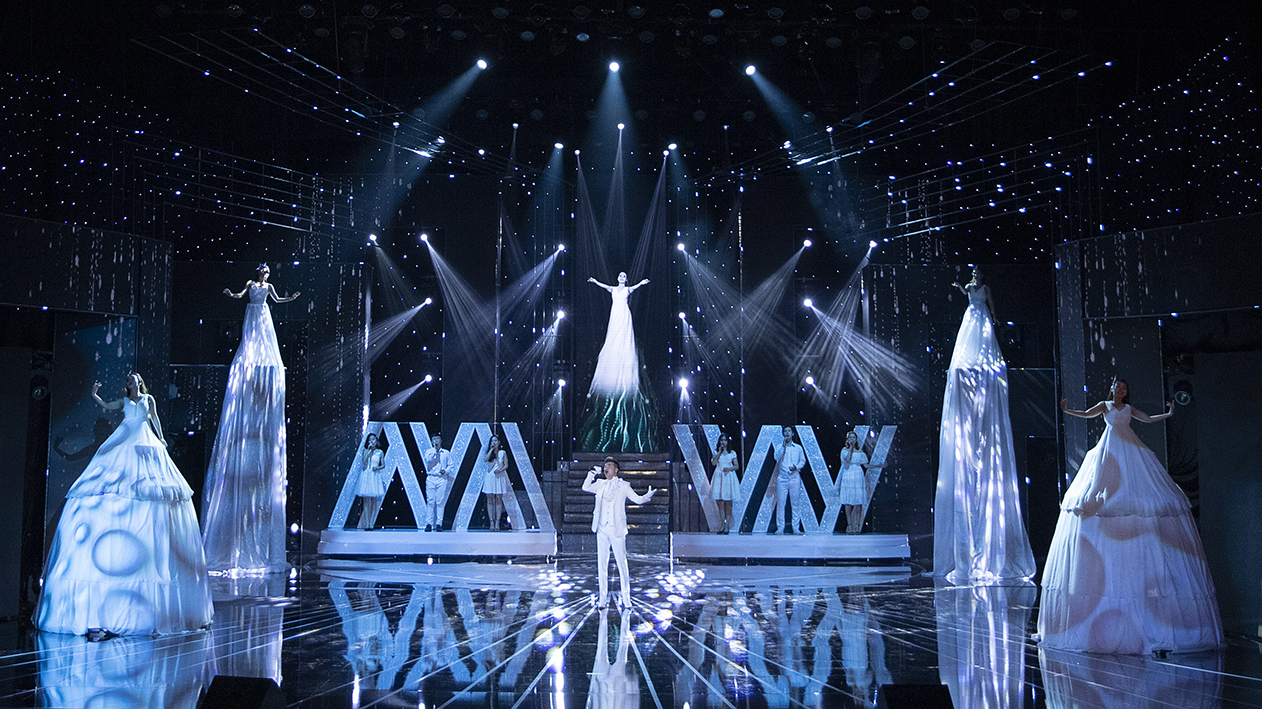 Tổng đạo diễn Hoàng Nhật Nam khai hội nhan sắc Miss World Việt Nam bằng cá tính của thí sinh