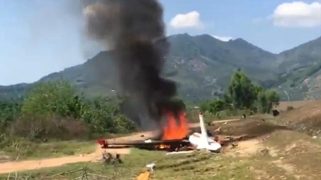 Phối hợp xử lý vụ máy bay huấn luyện quân sự rơi ở Khánh Hòa khiến 2 phi công hy sinh