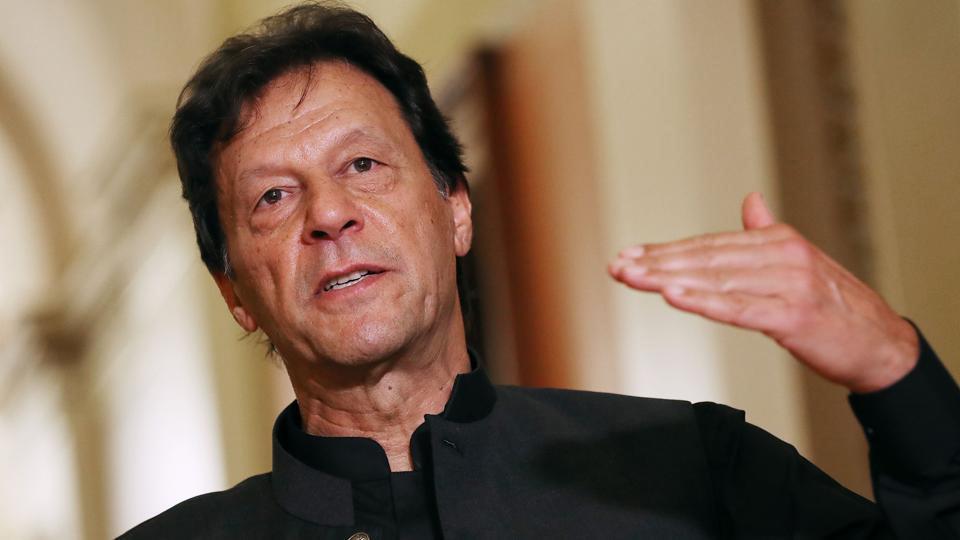 Pakistan hạ cấp quan hệ ngoại giao và đình chỉ thương mại song phương với Ấn Độ