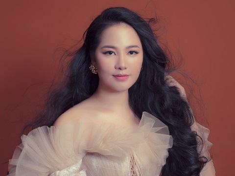 Phạm Thùy Dung rơi nước mắt khi 'lập hattrick' đề cử Giải Âm nhạc Cống hiến lần 15