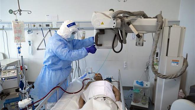 Dịch Covid-19: Singapore dựng bệnh viện dã chiến,Thái Lan số ca mắc mới giảm