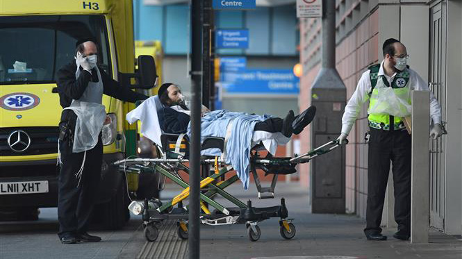 Chính phủ Anh cho phép người dân chất vấn bộ trưởng và quan chức y tế về dịch COVID-19