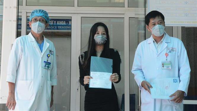 Dịch COVID-19: Bệnh nhân thứ 122 và 123 khỏi bệnh