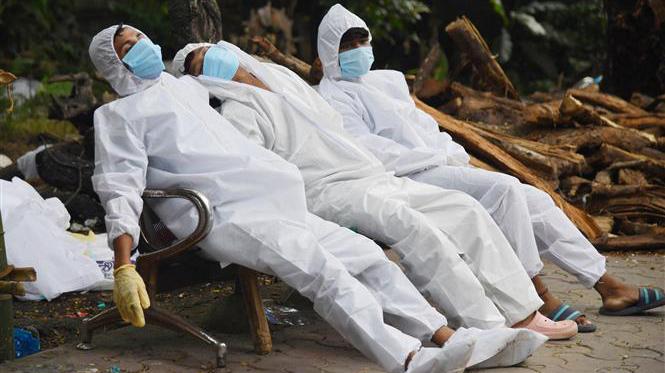 Thế giới đã có hơn 4,17 triệu ca tử vong, biến thể Delta vẫn đang lây lan nhanh tại nhiều nước