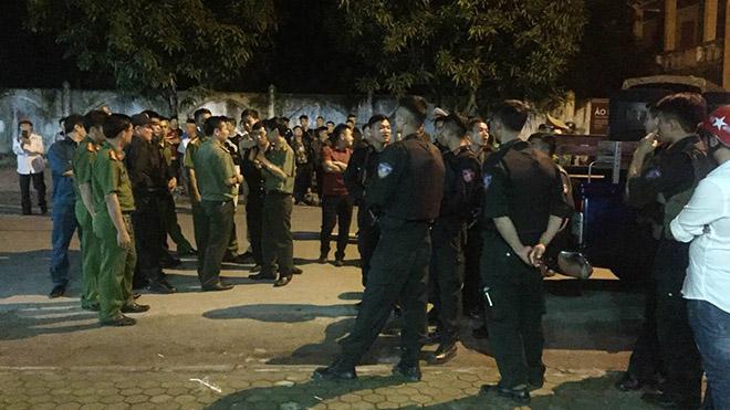 Đã bắt được đối tượng ôm lựu đạn cố thủ trong nhà tại TP Vinh