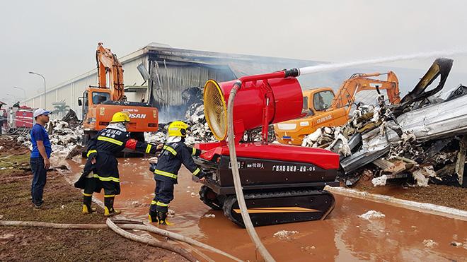 Vụ cháy Nhà máy sơ sợi tại Quảng Ninh: Điều động cả robot để khống chế ngọn lửa