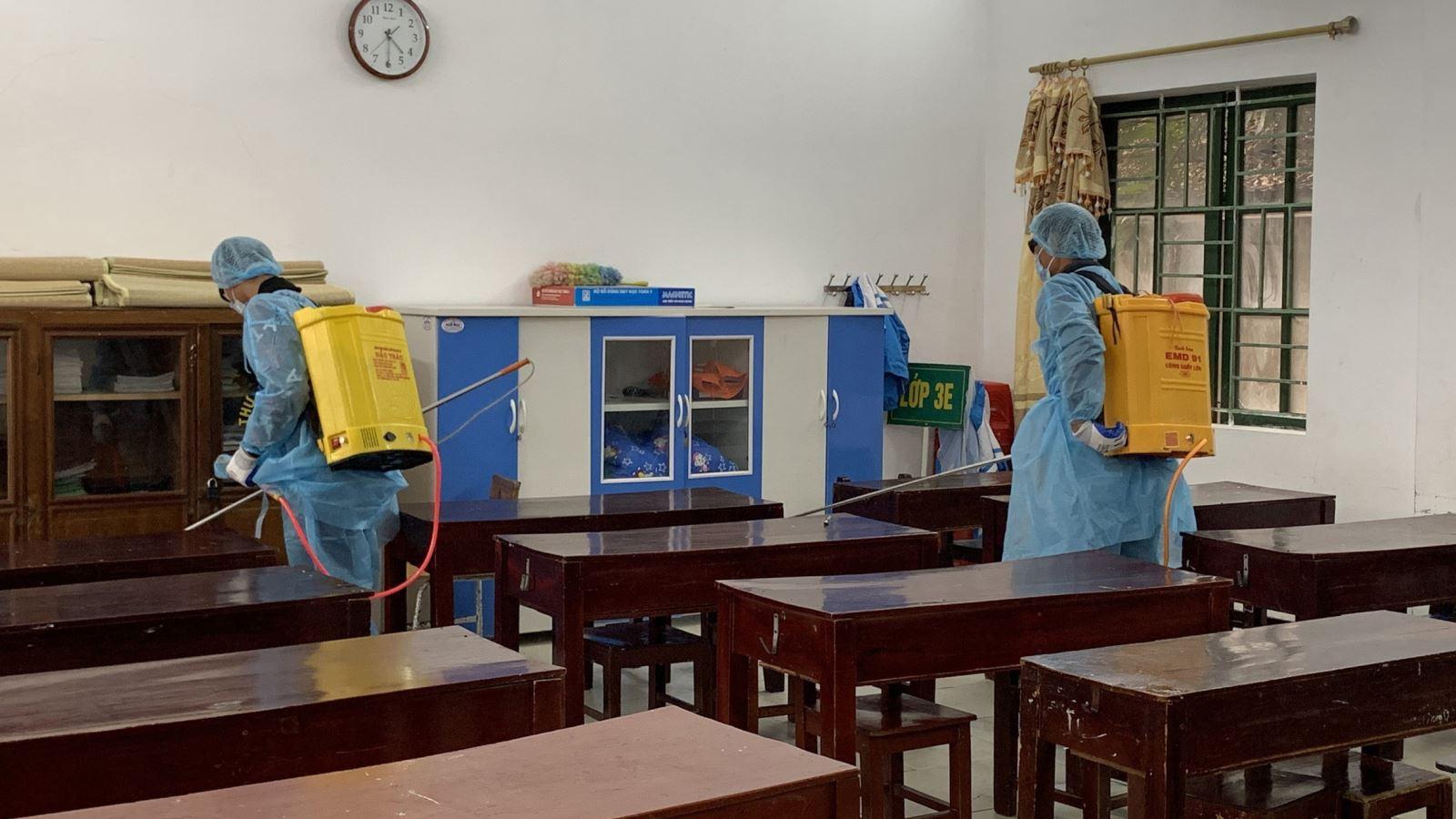 Thông tin mới nhất về dịch bệnh do virus corona: Hà Nội cho học sinh các cấp nghỉ thêm 1 tuần
