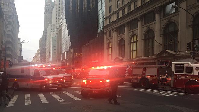 Cháy lớn tại Tháp Trump, 1 người thiệt mạng và 4 nhân viên cứu hỏa bị thương