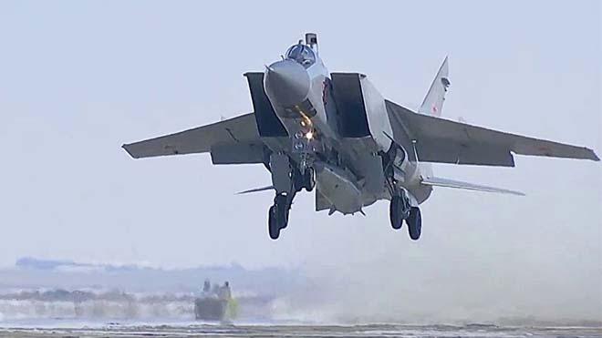 Xem tiêm kích Nga phóng tên lửa siêu thanh vượt mọi lá chắn phòng không