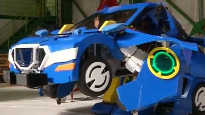 Kỹ sư Nhật Bản biến viễn tưởng thành hiện thực: Robot biến hình thành ôtô trong 1 phút
