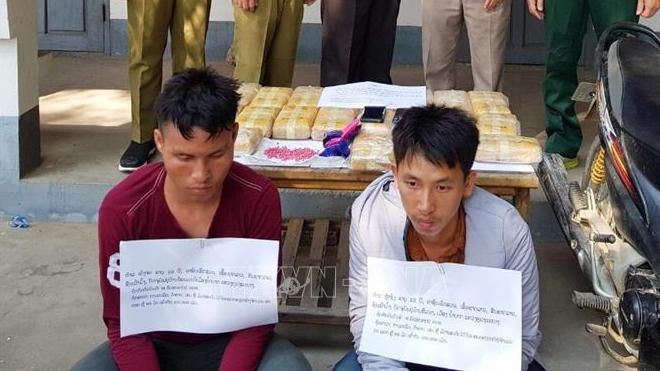 Bắt hai đối tượng người Lào mua bán, vận chuyển trái phép 120.000 viên ma túy tổng hợp