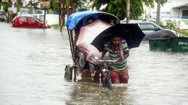 Lũ lụt và lở đất tại Nepal và Ấn Độ làm gần 100 người chết và mất tích