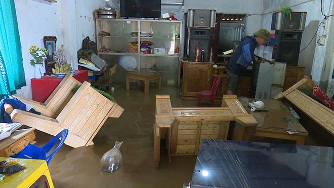 Chùm ảnh: Nhiều hộ dân ở Sơn La bị ngập sâu trong nước do ảnh hưởng bão số 3