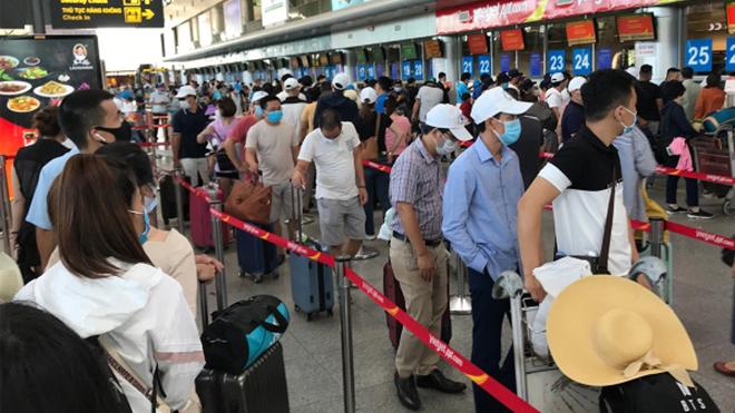 Bác bỏ thông tin 'Nguy cơ đóng cửa sân bay Nội Bài vì nhân viên tiếp xúc ca nhiễm Covid-19'