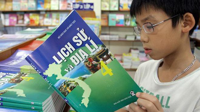 Bộ Tài chính thông tin về tăng giá sách giáo khoa gấp 3 - 4 lần