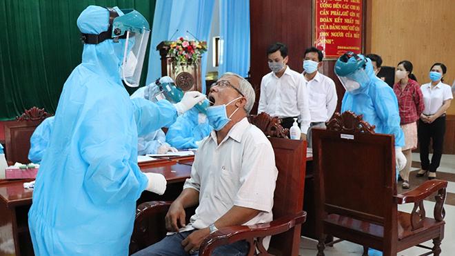 Phú Yên khẩn trương điều tra dịch tễ, cách ly các trường hợp liên quan tới ca dương tính SARS-CoV-2