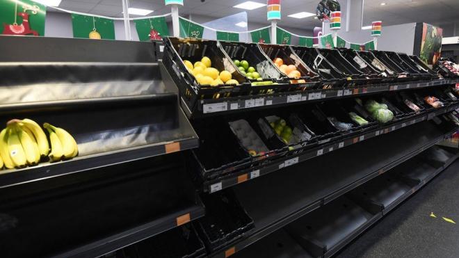 Các cửa hàng tạp hóa tại Anh cảnh báo nguy cơ thiếu hàng