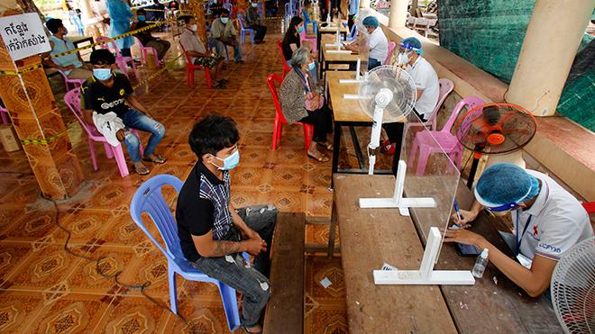 Số ca mắc Covid-19 tại Campuchia giảm nhưng biến thể Delta đã lan rộng