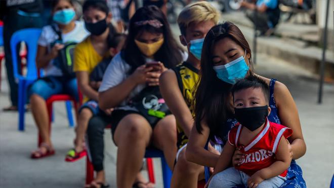 Philippines cấp phép tiêm vaccine cho trẻ từ 12 tuổi