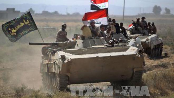 Iraq diễu binh mừng chiến thắng sau khi giành quyền kiểm soát thành phố Hawija từ tay IS