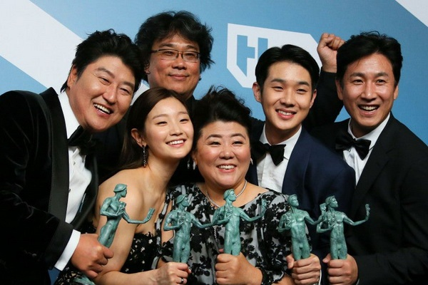 BTS, V, V BTS, Ký sinh trùng, nam diễn viên Choi Woo Shik, lễ trao giải SAG 2020