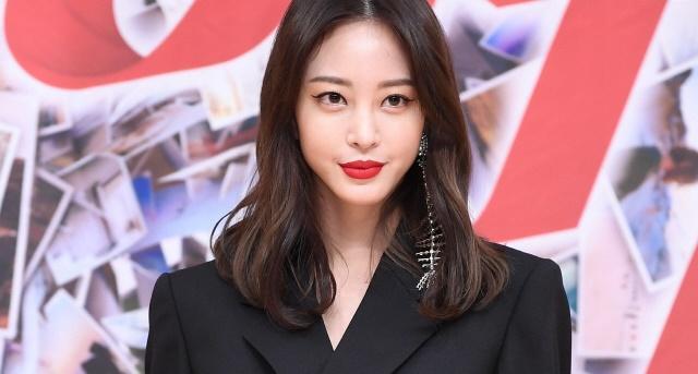 Kpop, diễn viên hàn quốc, hạ cánh nơi anh, Son Ye Jin, Yoo In Na, Han Ye Seul, Jng Nara, Kim Sarang