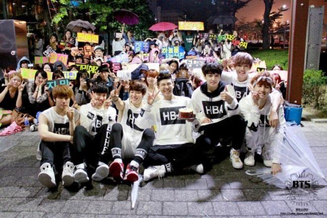 BTS, Jimin, V, RM, Suga, J-Hope, bts debut, kỷ niệm của bts, bts 2013, bts tin đồn hẹn hò