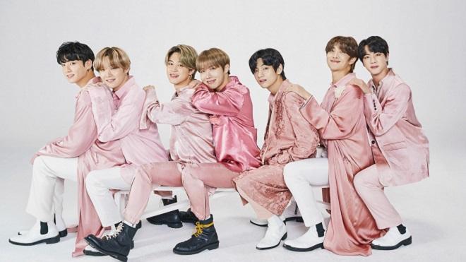 BigHit bất ngờ tung bộ ảnh 'gia đình vui vẻ' của BTS: Trước khi nhập ngũ?