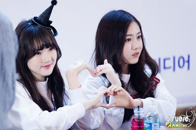 Blackpink, Nancy, Momoland, Twice, Red Velvet, 5 thần tượng Kpop bị chỉ trích vì xấu tính, joy, Nayeon, X1