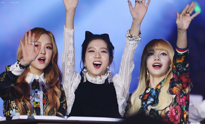 blackpink-jisoo-rose-lisa-sbs-gayo-daejun-2016-e1514531430845.jpg