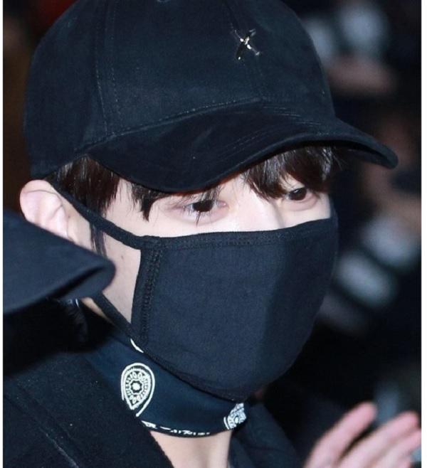 BTS, JUngkook, Jungkook bts, thỏ jungkook, jungkook bọng mắt, jungkook 2020, bts gif, jungkook gif, jungkook ảnh ngày bé