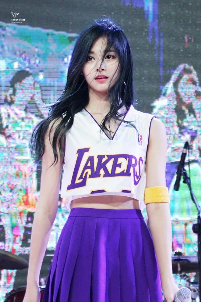 Twice, Tzuyu, nhan sắc của Twice, Twice 2020, Chou Tzuyu, Chu Tử Du, Châu Tử Du, Tzuyu nhan sắc, tzuyu gif, tzuyu video
