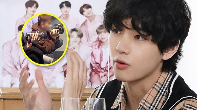 V BTS được cưng đến mức nhân viên cũng phá luật chơi để anh chàng thắng