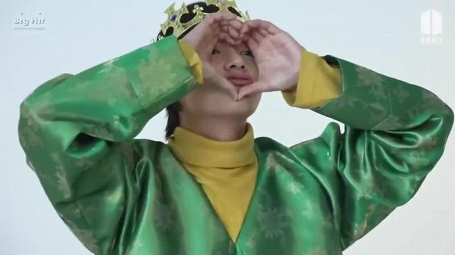 BTS, ảnh BTS ngày bé, BTS ảnh hồi bé, Jin, Jimin, Jungkook, RM, V, J-Hope, Suga, BTS 2020, bộ ảnh của BTS, BTS ảnh các thành viên, BST 2018